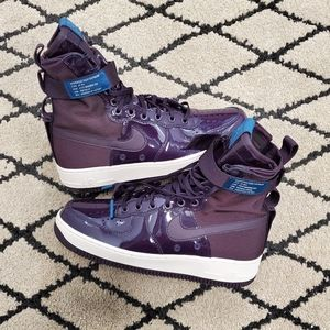 Nike Women's Air Force 1 SF AF1 Special Field Prm